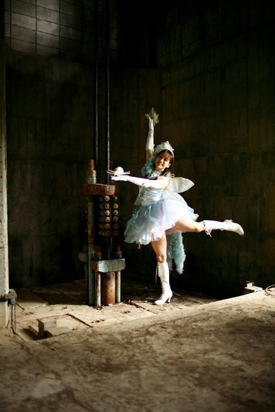 dancing girls_01_TOP.jpg